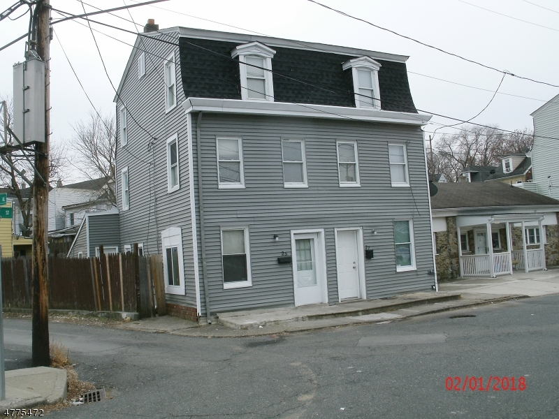 Photo of home for sale at 25 RIVER ST, Phillipsburg Town NJ