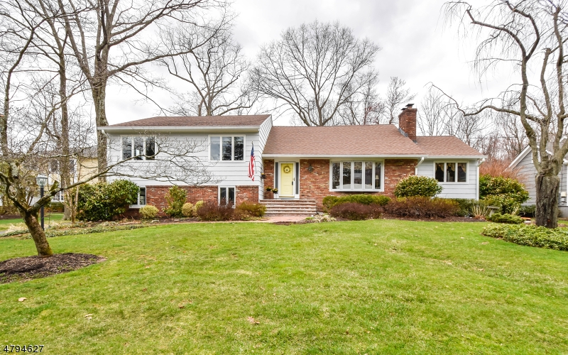 Property for sale at 1329 Outlook Dr, Mountainside Boro,  NJ  07092