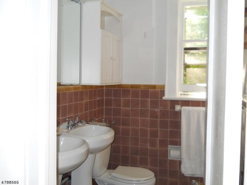 44 Weston Ave. 1St. Floor Chatham Boro, NJ 07928 - MLS #: 3467252