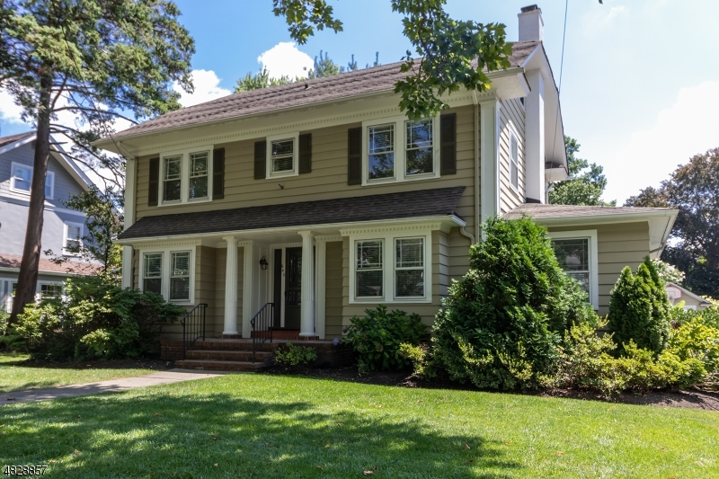 Photo of home for sale at 640 ARLINGTON AVE, Westfield Town NJ