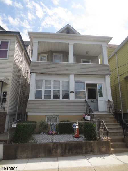 Photo of home for sale at 206 CAMBRIDGE AVE, Garfield City NJ