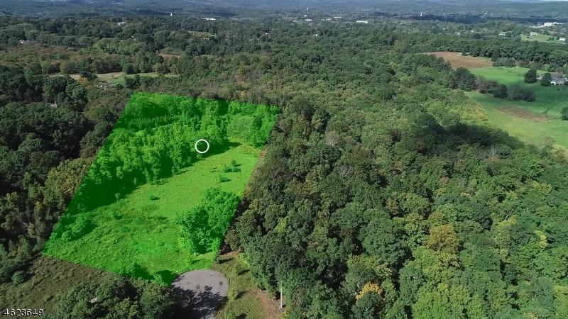 Photo of home for sale at Rosehill Ct, Bernardsville Boro NJ