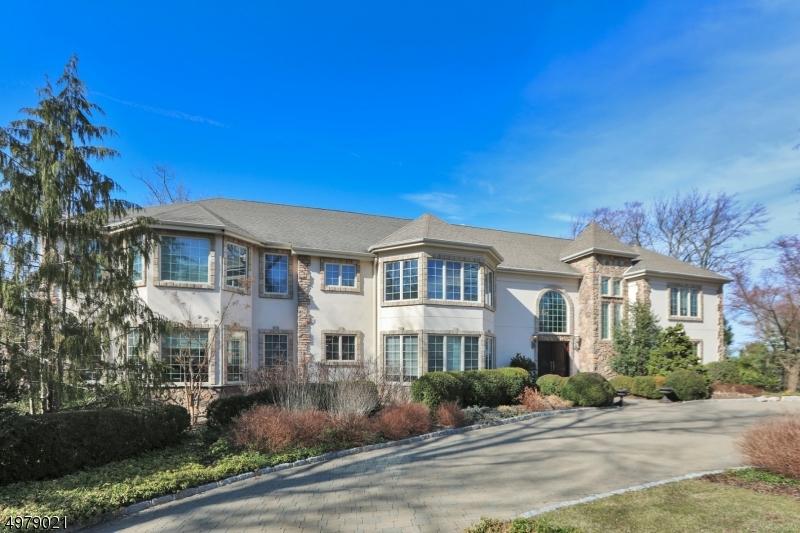 Photo of home for sale at 554 HAMPTON HILL RD, Franklin Lakes Boro NJ