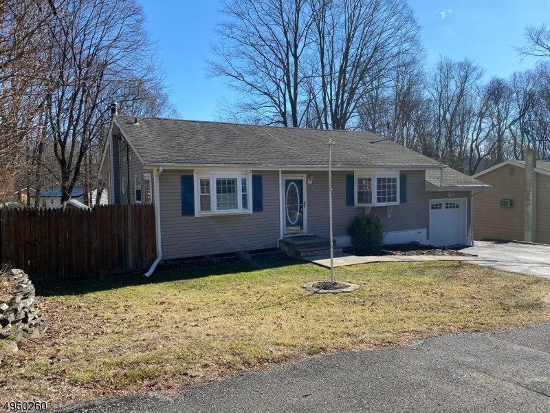 Photo of home for sale at 501 STANHOPE RD, Byram Twp. NJ