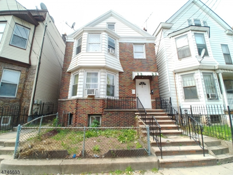 Photo of home for sale at 158 Parker St, Newark City NJ