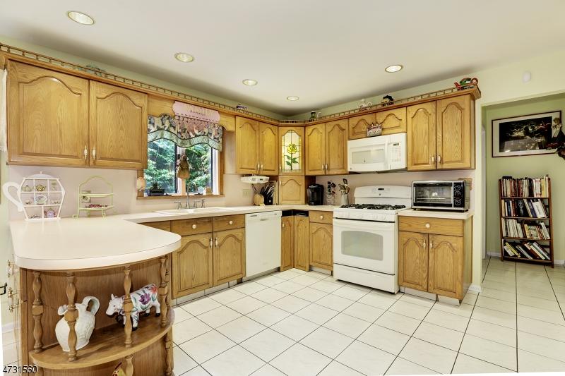 2 Woodside Ave West Caldwell Twp., NJ 07006 - MLS #: 3404254