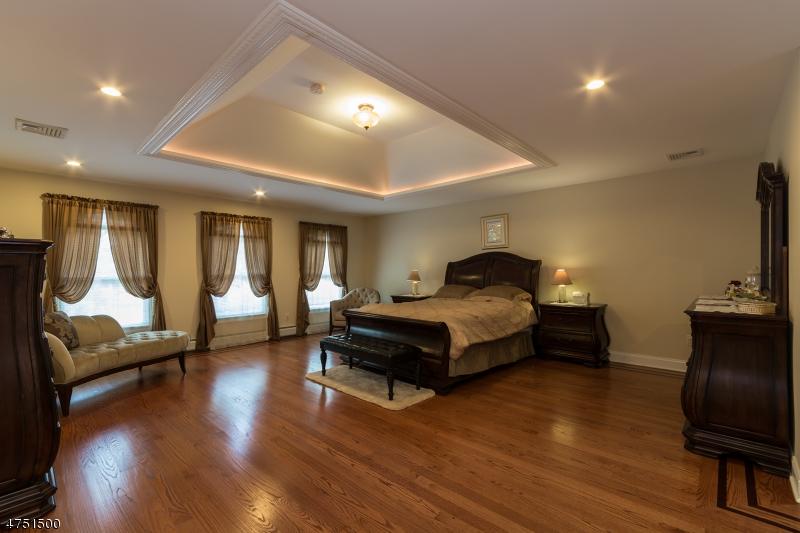 907 Washington Ave Washington Twp., NJ 07676 - MLS #: 3422654