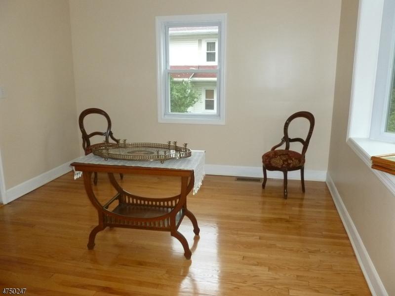 302 Chestnut St Nutley Twp., NJ 07110 - MLS #: 3424454