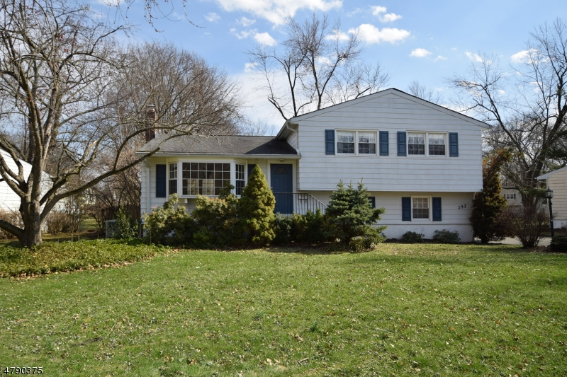 Property for sale at 292 Charnwood Rd, New Providence Boro,  NJ  07974