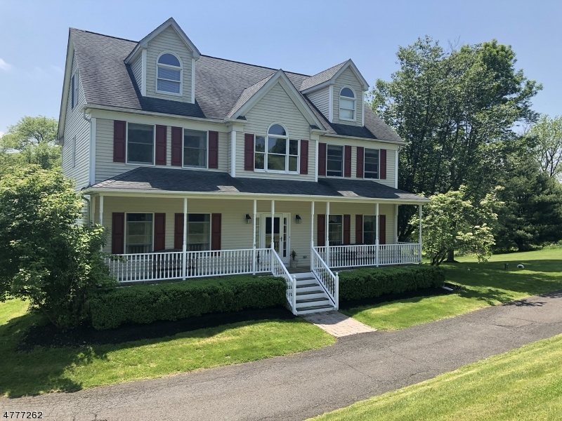 Photo of home for sale at 5 Logan Dr, Tewksbury Twp. NJ