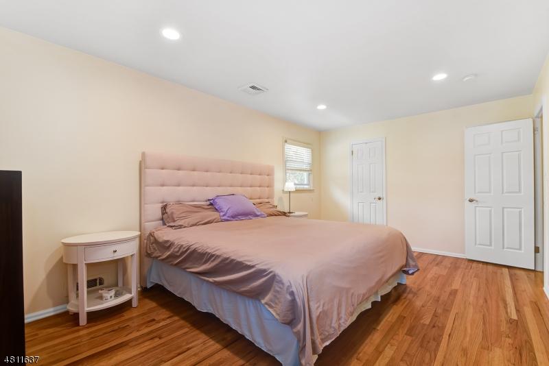 38 DALEWOOD RD West Caldwell Twp., NJ 07006 - MLS #: 3477655