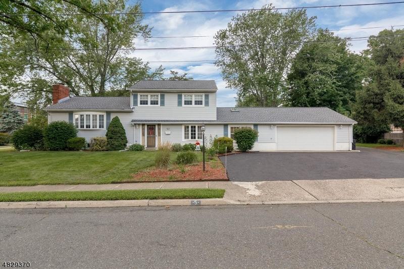 Photo of home for sale at 5 DEMUND LN, Midland Park Boro NJ