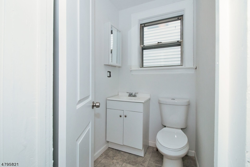640 E 2ND AVE Roselle Boro, NJ 07203 - MLS #: 3508255