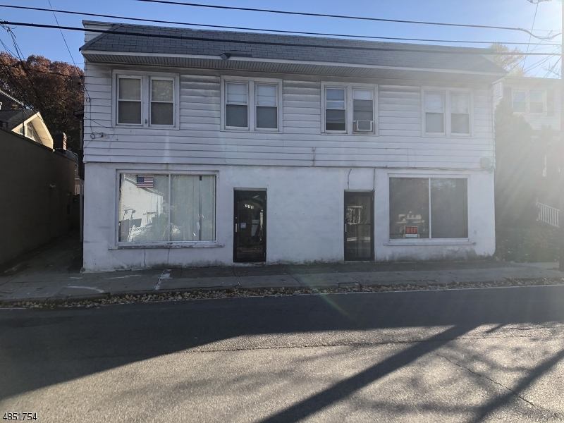 Photo of home for sale at 715 MAIN ST, North Caldwell Boro NJ