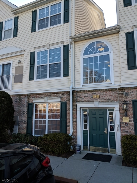 Photo of home for sale at 183 HORSESHOE CT, Lopatcong Twp. NJ