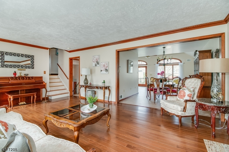 Photo of home for sale at 412 WALNUT AVE, Cranford Twp. NJ