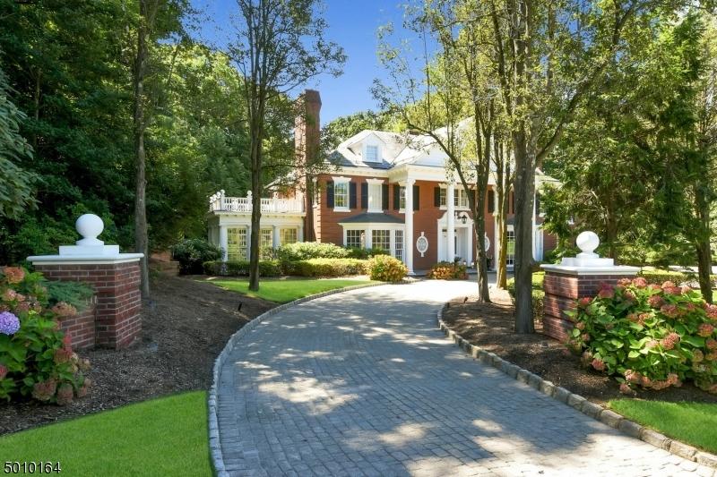 Photo of home for sale at 750 APPLE RIDGE RD, Franklin Lakes Boro NJ