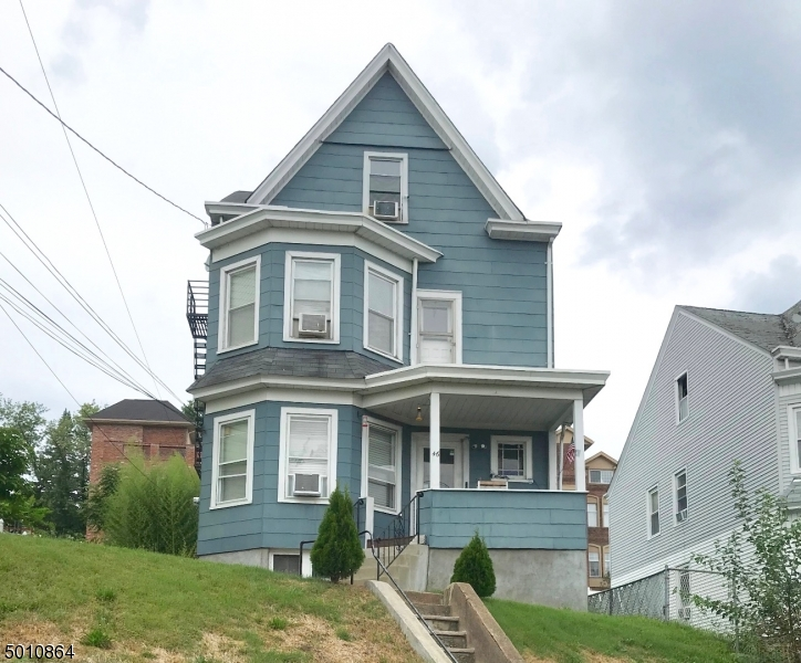 Photo of home for sale at 44 N 8 ST, Hawthorne Boro NJ