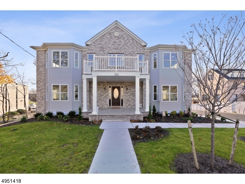 Photo of home for sale at 344 Plainfield Ave, Edison Twp. NJ