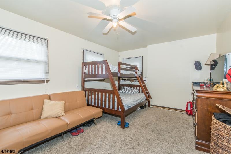 161 Hilltop Ct Pompton Lakes Boro, NJ 07442 - MLS #: 3421756