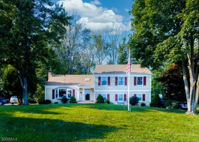 Photo of home for sale at 283 GATES AVE, Long Hill Twp. NJ