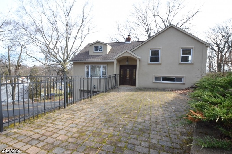 Photo of home for sale at 26 EDGEMONT RD, West Orange Twp. NJ