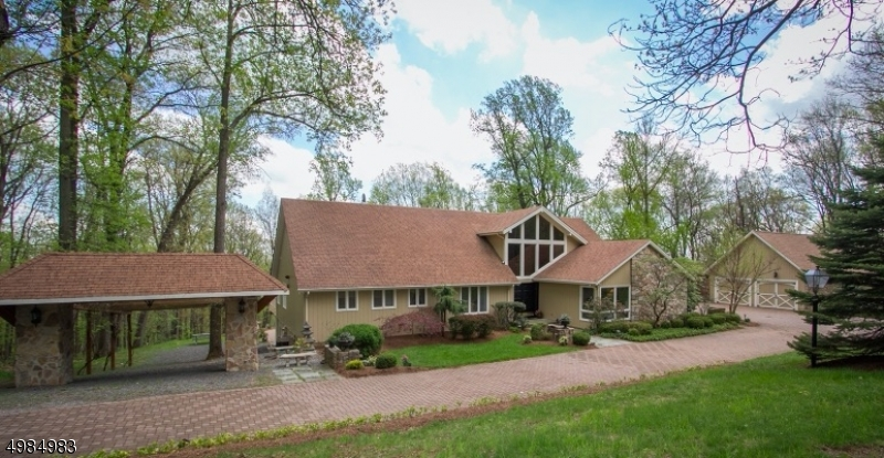 Photo of home for sale at 9 GLENBROOK DR, Mendham Twp. NJ