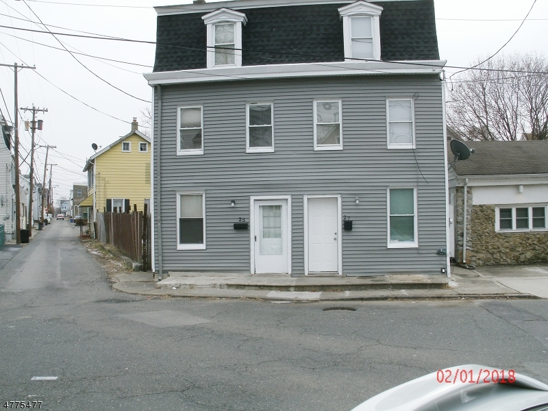 Photo of home for sale at 27 RIVER ST, Phillipsburg Town NJ