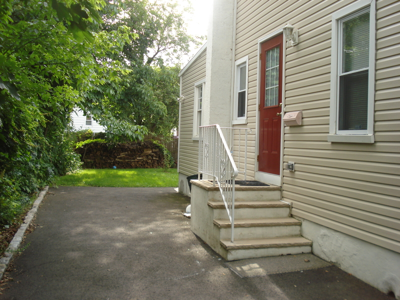 Property for sale at 15 N 8th St  2nd  Fl Unit: 2, Kenilworth Boro,  NJ  07033