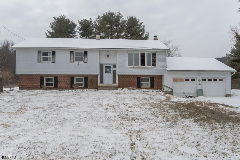 Photo of home for sale at 7 WHITES ROAD, Franklin Twp. NJ