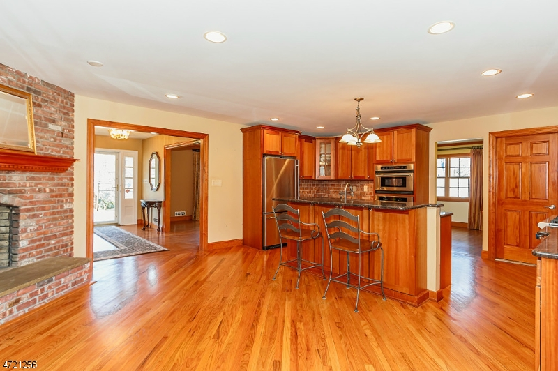 111 LENAPE LANE Berkeley Heights Twp., NJ 07922 - MLS #: 3394660