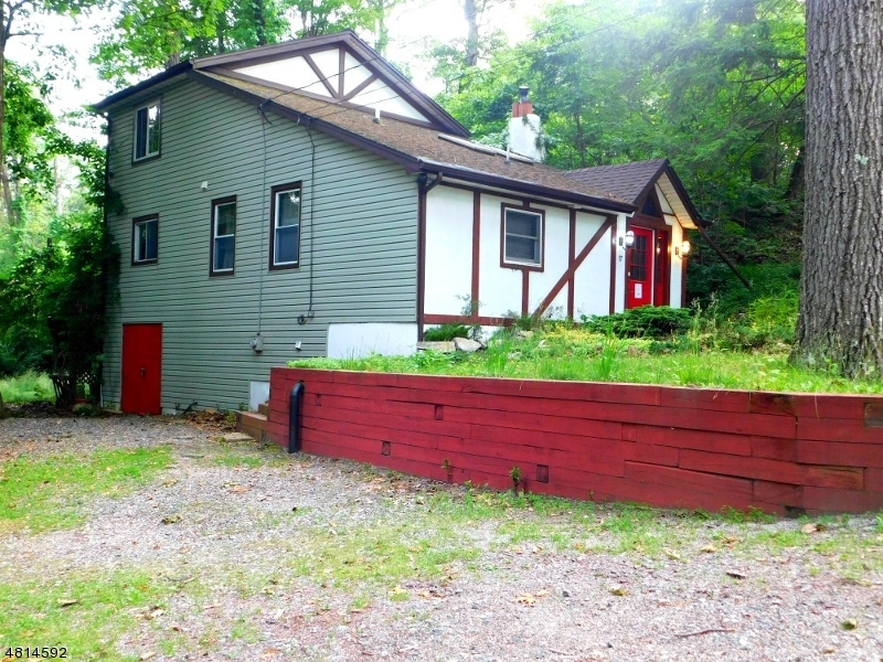 17 PATERSON RD West Milford Twp., NJ 07421 - MLS #: 3480460