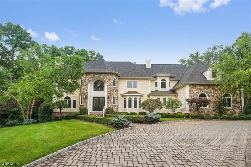 Photo of home for sale at 40 CANOE BROOK LN, Bernards Twp. NJ
