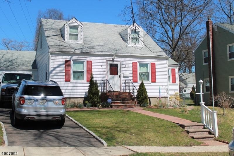72 Ferncliff Rd, Bloomfield Township, NJ 07003