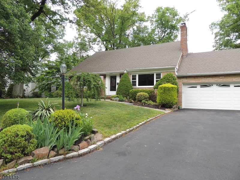 Property for sale at 310 Garrett Rd, Mountainside Boro,  NJ  07092