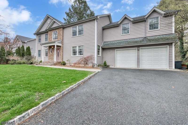 Photo of home for sale at 749 PASCACK RD, Washington Twp. NJ