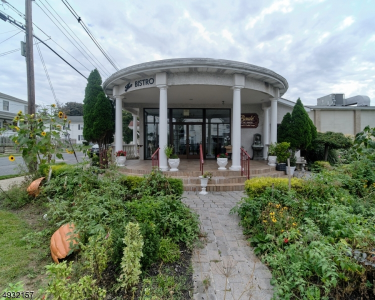 Photo of home for sale at 319 E CENTRAL AVE, Alpha Boro NJ