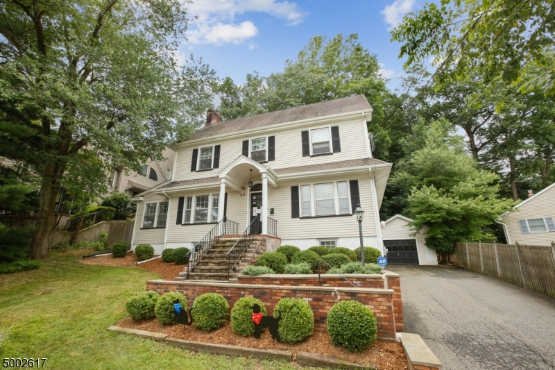 Photo of home for sale at 158 WASHINGTON ST, Morristown Town NJ
