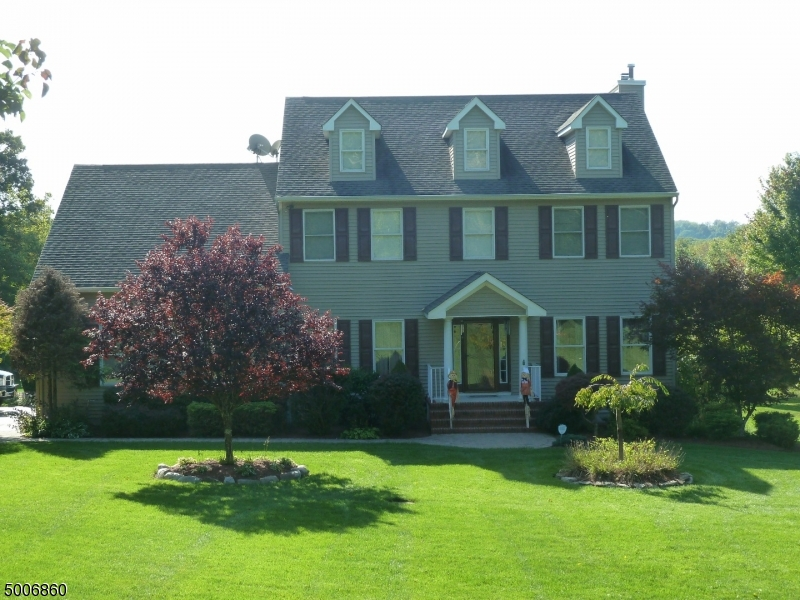 Photo of home for sale at 119 RIDGEWAY AVE, Hope Twp. NJ