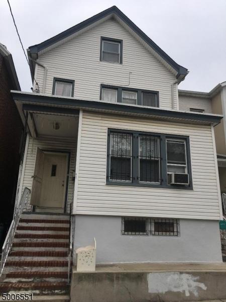 Photo of home for sale at 229 SPENCER ST, Elizabeth City NJ