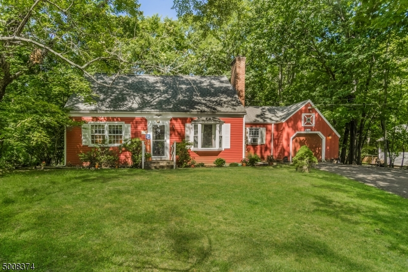 Photo of home for sale at 172 HILLSIDE AVE, Bedminster Twp. NJ