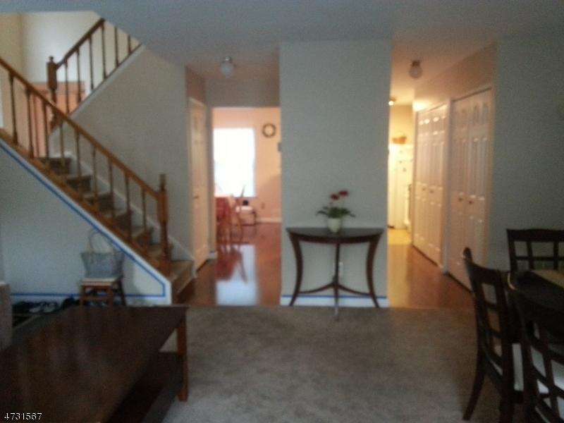 448 Saint Giles Ct Franklin Twp., NJ 08873 - MLS #: 3404262