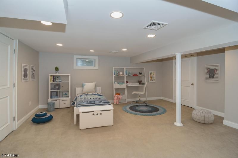9 Riverview Dr W Montclair Twp., NJ 07043 - MLS #: 3461862