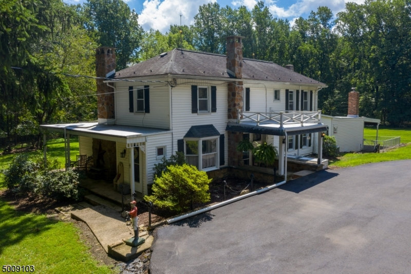Photo of home for sale at 282 LOWS HOLLOW RD, Lopatcong Twp. NJ