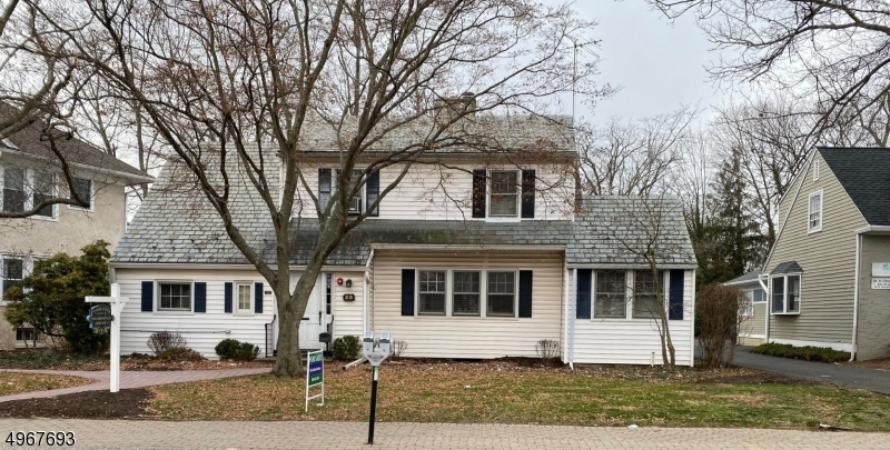 Photo of home for sale at 25 N DOUGHTY AVE, Somerville Boro NJ