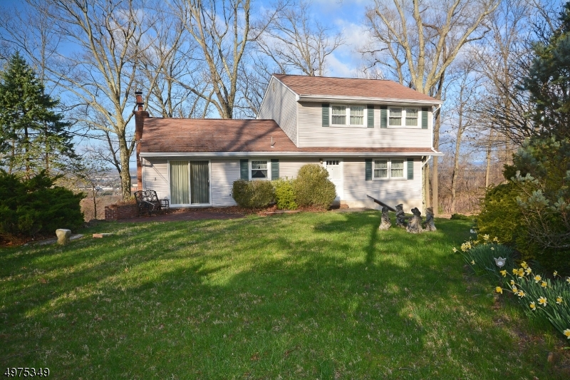Photo of home for sale at 1776 MOUNTAIN TOP RD, Bridgewater Twp. NJ