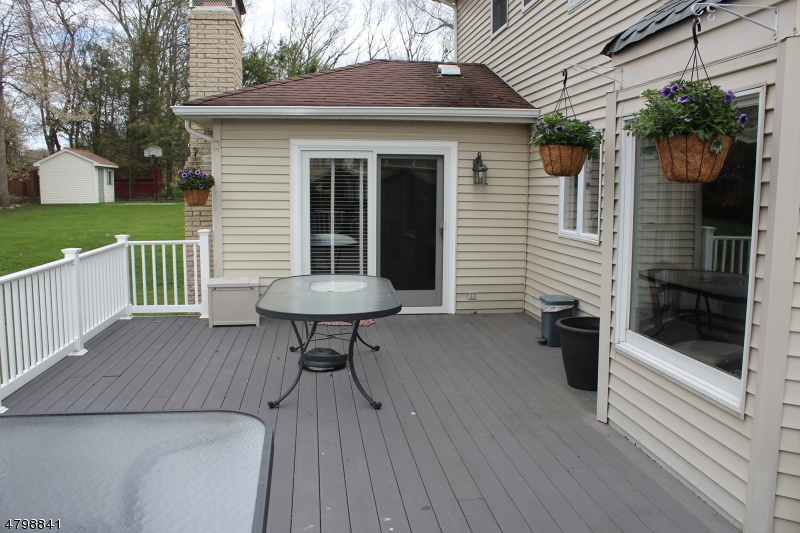 69 Yellow Brick Rd Wayne Twp., NJ 07470 - MLS #: 3465663