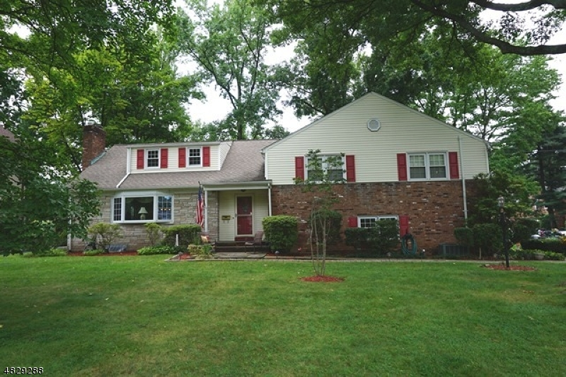 Photo of home for sale at 1035 SUMMIT AVE, Westfield Town NJ