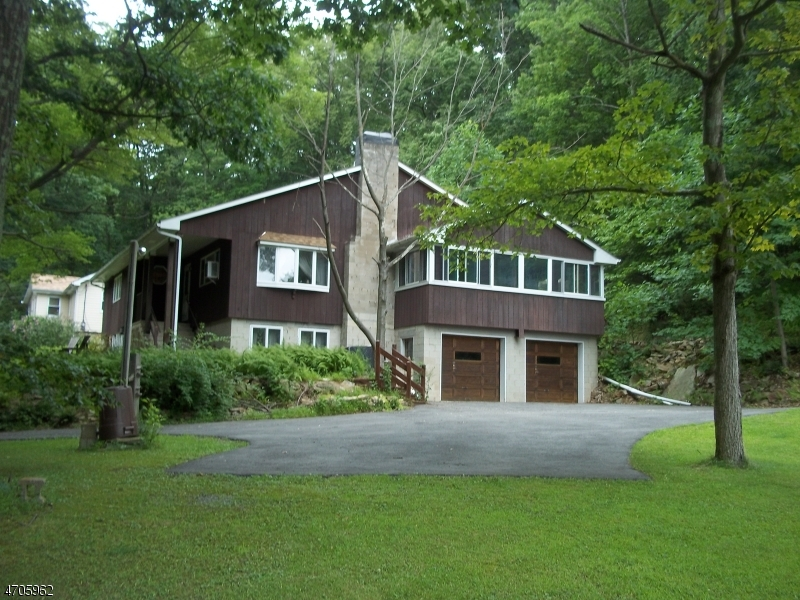 Photo of home for sale at 154 MILLBROOK RD, Franklin Twp. NJ