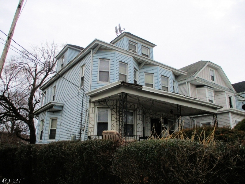 Photo of home for sale at 621 MADISON AVE, Paterson City NJ